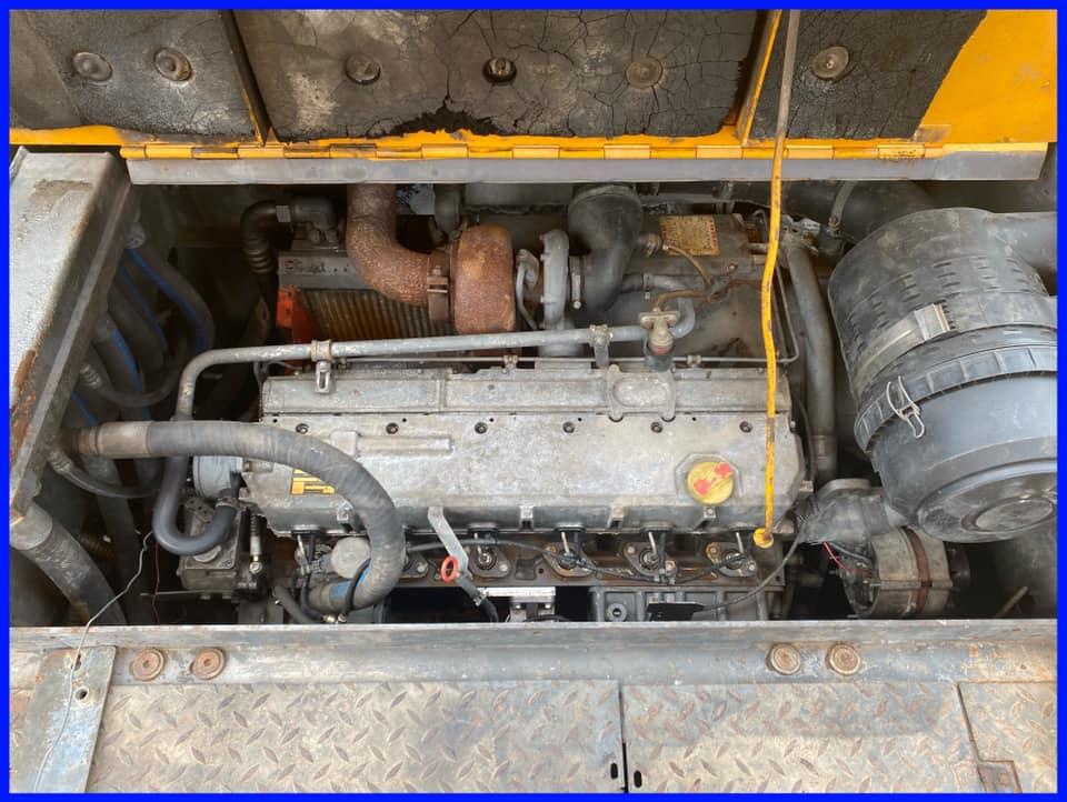 Máy rải Titan 325 EPM mới về bãi